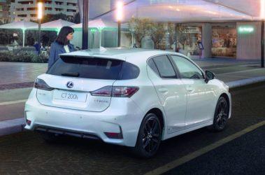 Lexus-CT200h-12