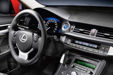 Lexus-CT200h-4