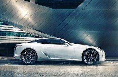 Lexus-LC500h-0